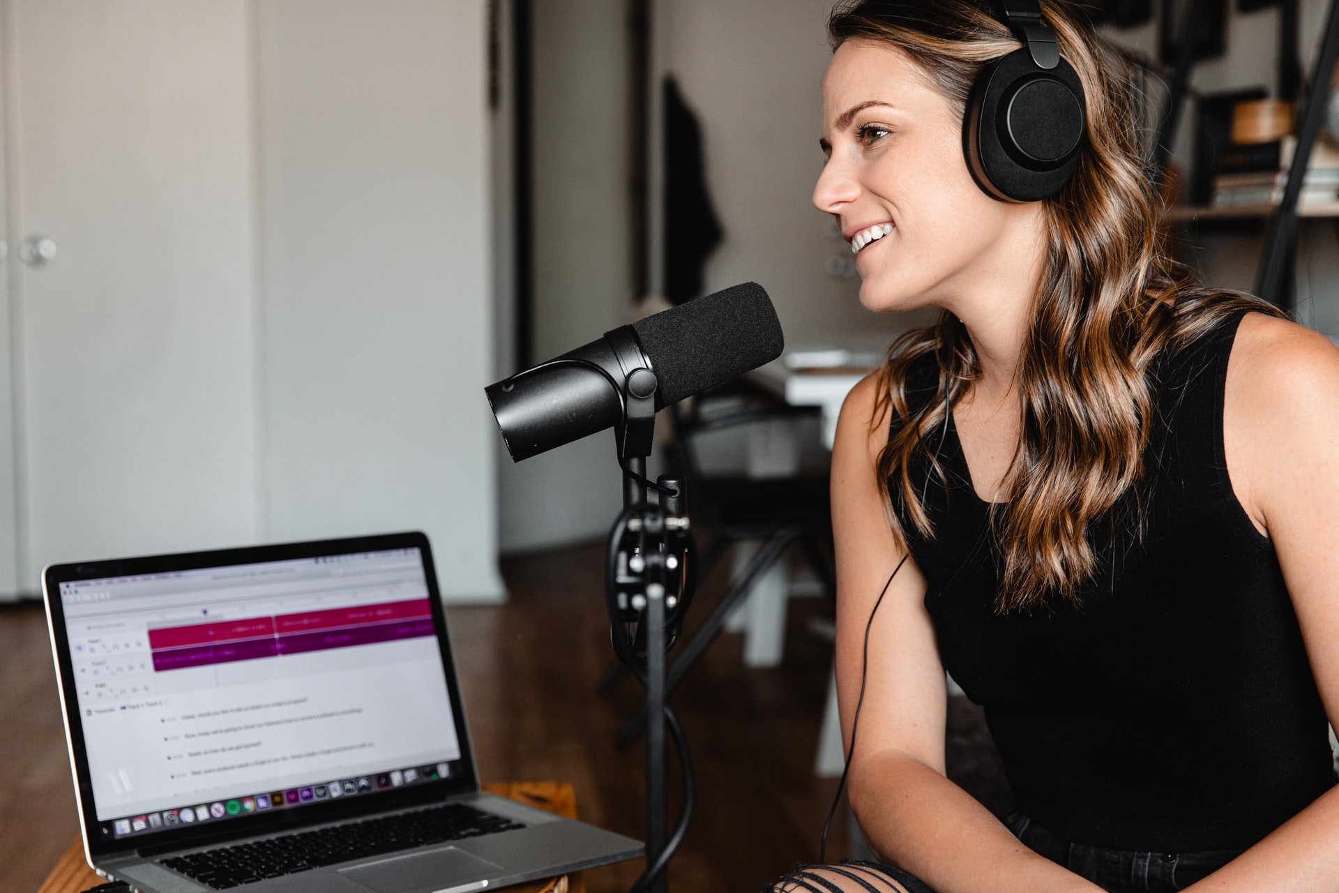 What Are the Benefits of Podcasts? 5 Reasons Your Blog Needs a Podcast Today